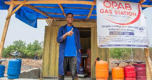 Opab Gas is a Nigerian company that supplies liquefied petroleum gas (LPG) to households and businesses in Kwara State. The company was started in 2018. Co-founder Olasupo Abideen (26) answers our questions. 1. Give us your elevator pitch. Opab Gas offers a safe, convenient and affordable gas refilling solution to individuals and businesses through a network of locations in Nigeria.