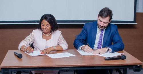 The British Government through the Commonwealth Standards Network (CSN) and the Global Trade Programme (GTP) have facilitated a Memorandum of Understanding (MoU) between the British Standards Institute (BSI) and the Standards Organisation of Nigeria (SON). The partnership is aimed at strengthening the relationship between the standards orgainsations to ensure good practice in standards development, information sharing and technical support to boost export and import.